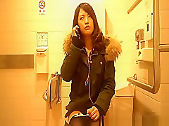 chinese girl peeing in toilet spy cam